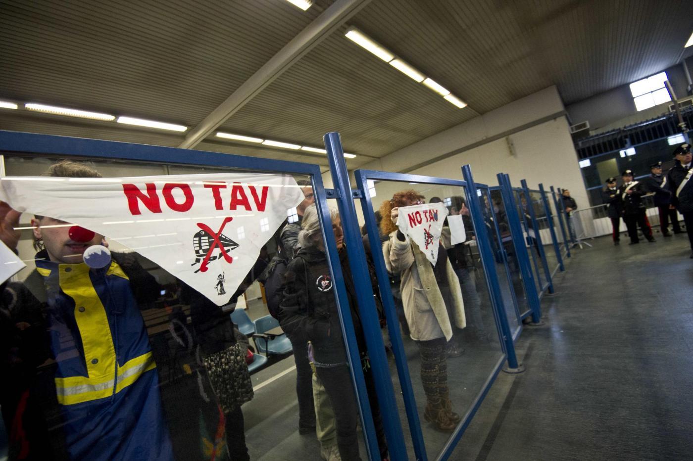 Protesta degli imputati NoTav al maxiproceso