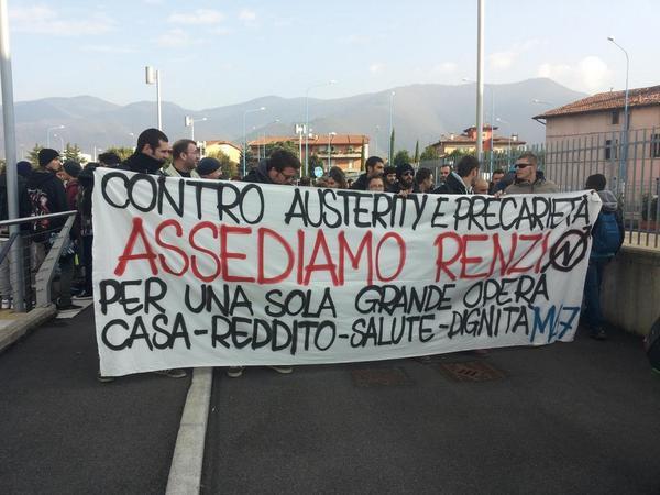 brescia contestazione a Renzi
