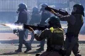 polizia lacrimogeni