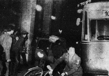 livorno incidenti fra popolazione e paracadutisti
