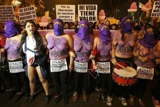 perù manifestazione donne