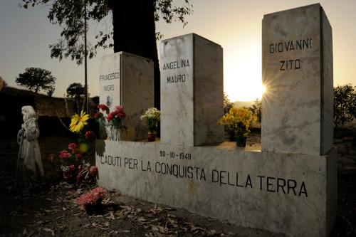 Monumenti-caduti-a-Fragalà-nel-comune-di-Melissa