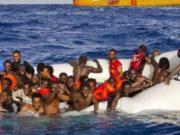 Migranti in mare-