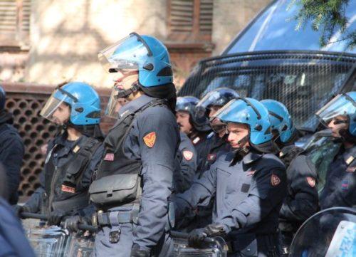 polizia sgombero