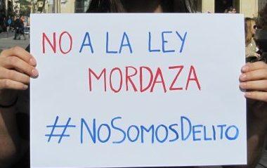 cartelli contro la Ley de seguridad ciudadana