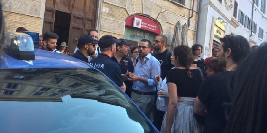roma presidio contro minniti