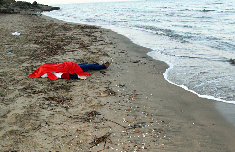 migrante morto in mare