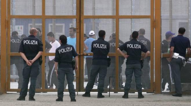 migranti palazzo san gervasio