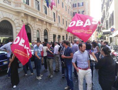 protesta-burberry-cobas