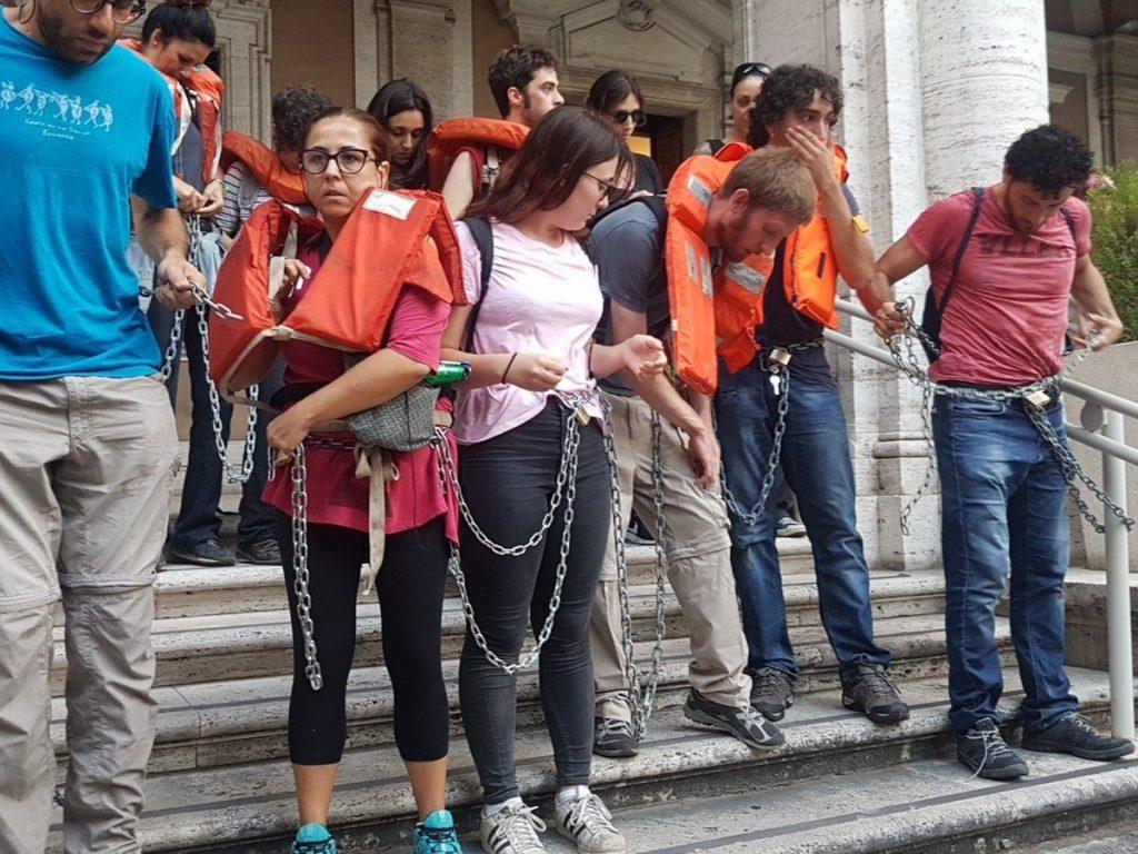roma restiamo umani