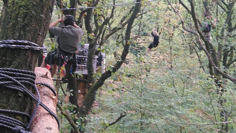 Foto di Steffen, Mercoledì 19 settembre, che mostra la polizia a caccia di un militante