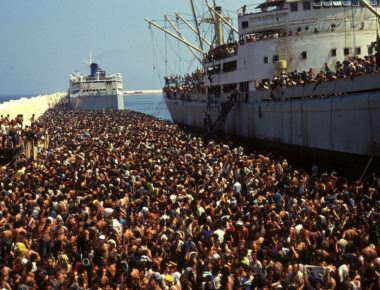 migranti- sbarco albanesi a bari