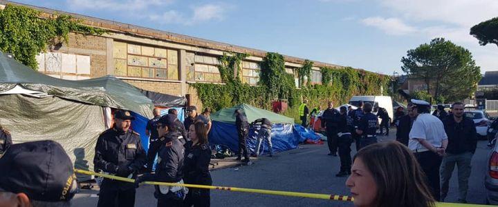 migranti sgombero via Scorticabove