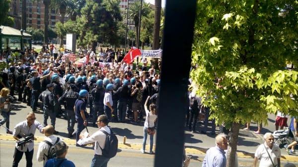 taranto proteste contro renzi