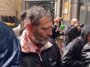 Napoli manifestante-ferito-teatro-sannazaro-300x225