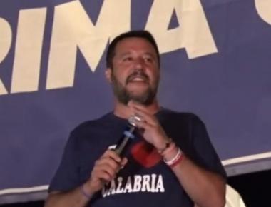 Soverato, 10 agosto 2019. Salvini tappa il microfono, ma è un sabotaggio politico