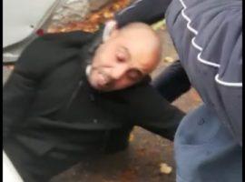 brescia operaio picchiato polizia locale