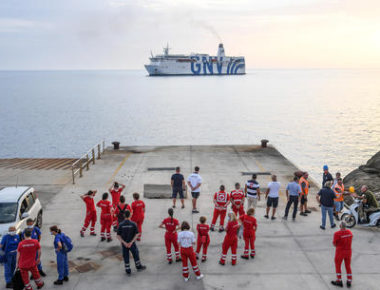 Quarantine ship 'Gnv Azzurra' arrives at Lampedusa's Port, 4 August 2020. ANSA/ALESSANDRO DI MEO