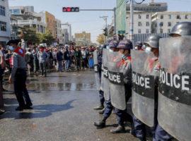 Myanmar-polizia