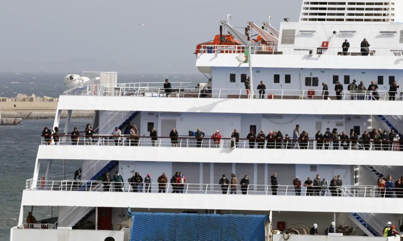 navi quarante migranti
